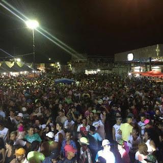 Bloco 40 Graus Arrasta Multidão no 1º dia de Carnaval em Cuité