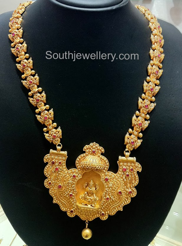 Traditional temple jewellery with lakshmi pendant jewellery designs traditional temple jewellery with lakshmi pendant aloadofball Choice Image