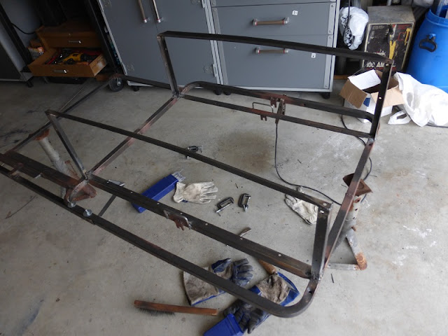 bicycle trailer with fender wheel protectors and hooks welded