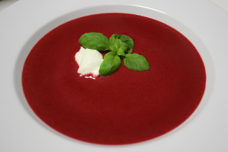 vegetarisches silvestermen vorspeise rote bete suppe mit ingwer the vegetarian diaries. Black Bedroom Furniture Sets. Home Design Ideas