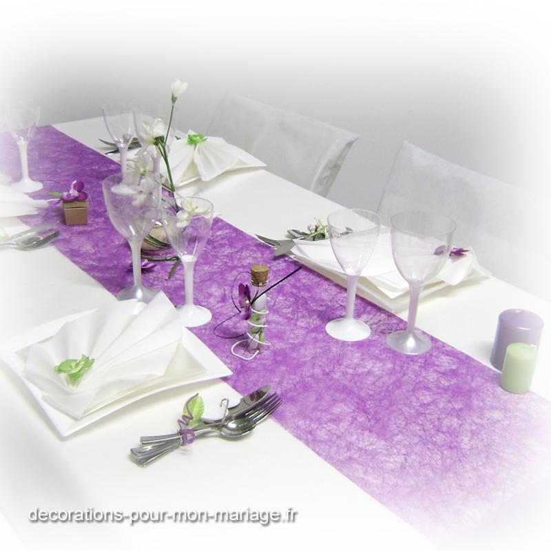 Ma d coration de mariage d corations de table en prune et - Couleur prune et vert anis ...