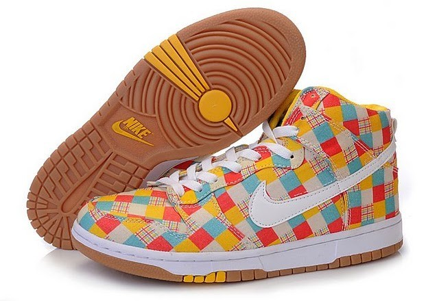 This pari dunks women shoes is with the colorful bright colors orange 5ecdb35779