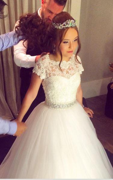Larissa Manoela, Vestido de debutante, festa 15 anos, valsa
