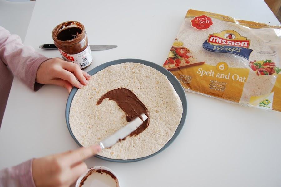 la merienda más fácil del mundo. Tortitas de maiz con nocilla