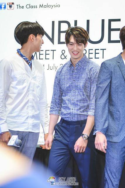 CNBLUE most natural candid photos  - CNBLUE x The Class Meet & Greet @ Mid Valley Megamall