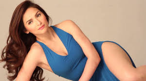 Top 10 unexpected pregnancies that shocked everyone in the showbiz industry!