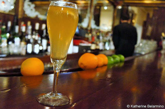French 75 at Richeleux Drinks to Try in New Orleans