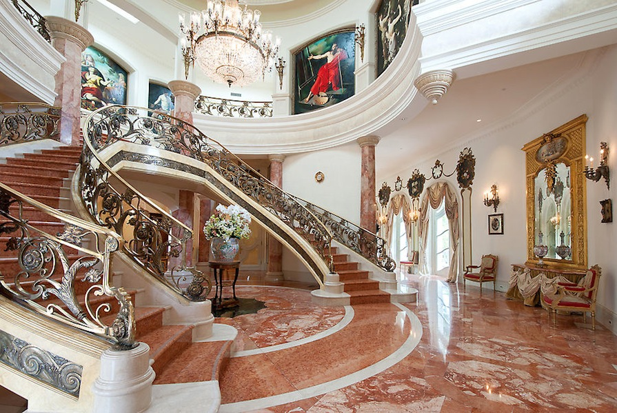 For sale the french baroque beverly hills chateau for Baroque lifestyle