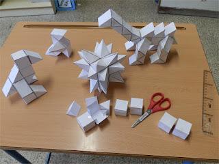 Diseños 3D figurativos compuestos por cubos, semicubos y pirámides 1/3 de cubo.