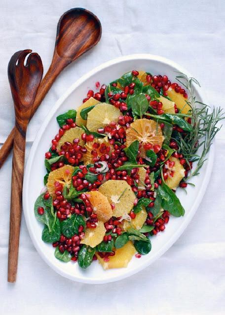 Зимний салат со свеклой, апельсином и гранатом