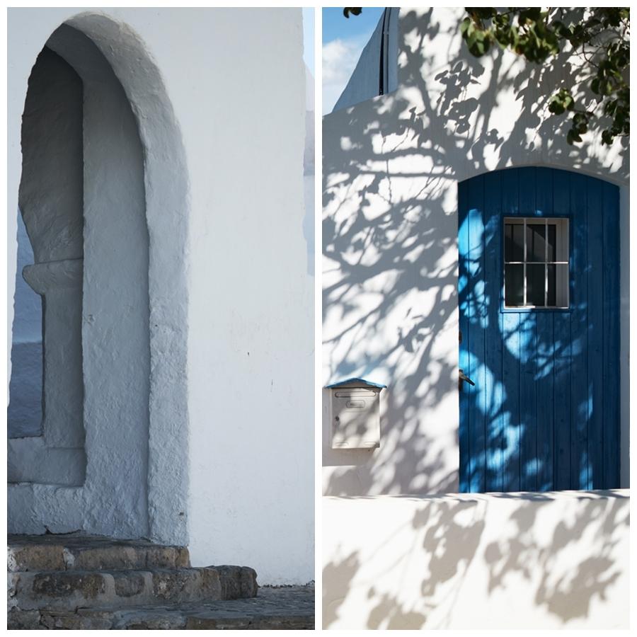 Blog + Fotografie by it's me! - Reisen - La Isla Blanca Ibiza, Santa Eurlaria - Türeingänge in der Klosteranlage