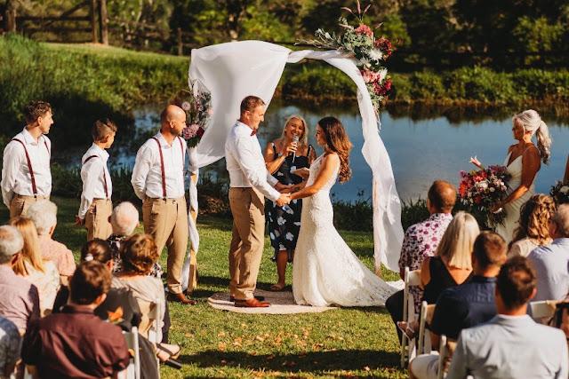 SUNSHINE COAST WEDDING CELEBRANT MARRIAGE LEMON POPPY PHOTOGRAPHY
