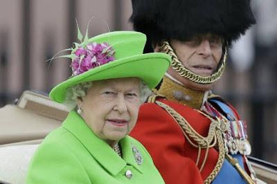 queen-elizabeth-ii-family-mark-90th-birthday-with-parade