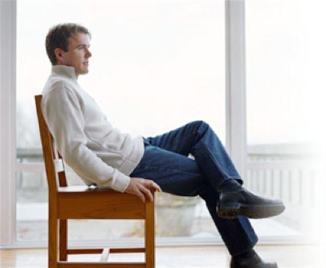 الجلوس على حافة الكرسى - لغة الجسد