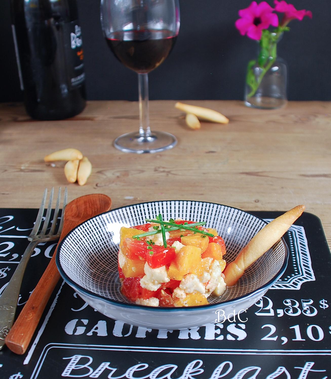 Tartar de melocotón con mozzarella - El bistrot de Carmen