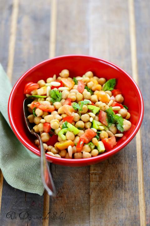 Salade de pois chiches libanaise (aux tomates, herbes et pignons de pin)