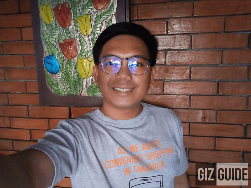 Selfie indoor 1