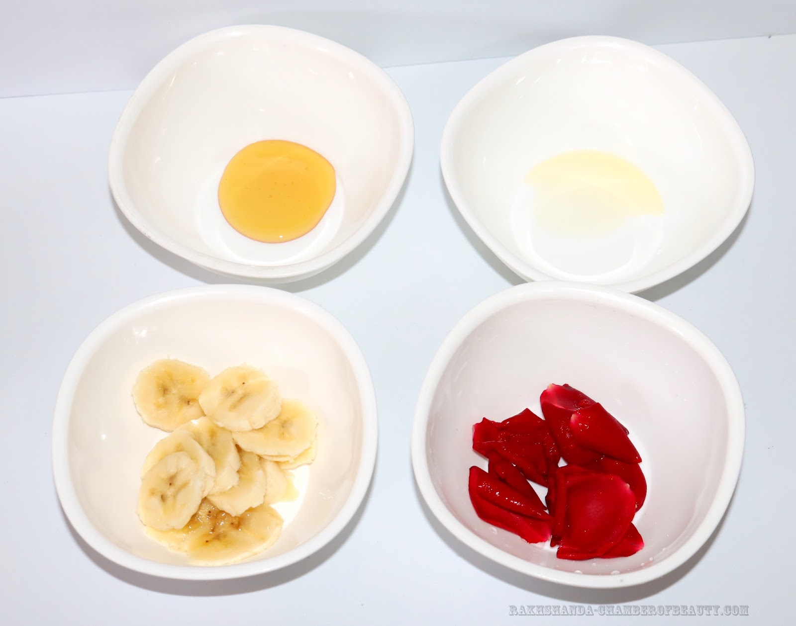 rakhshanda-chamberofbeauty.com/DIY/Banana & Rose Petals Face Pack for Dry skin