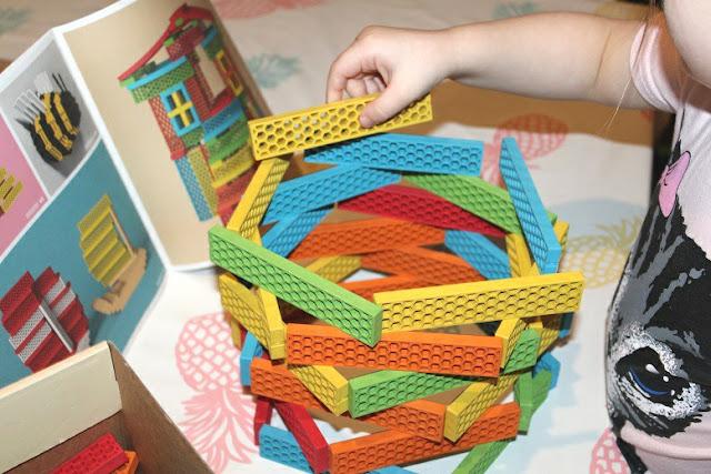 construire avec des jouet