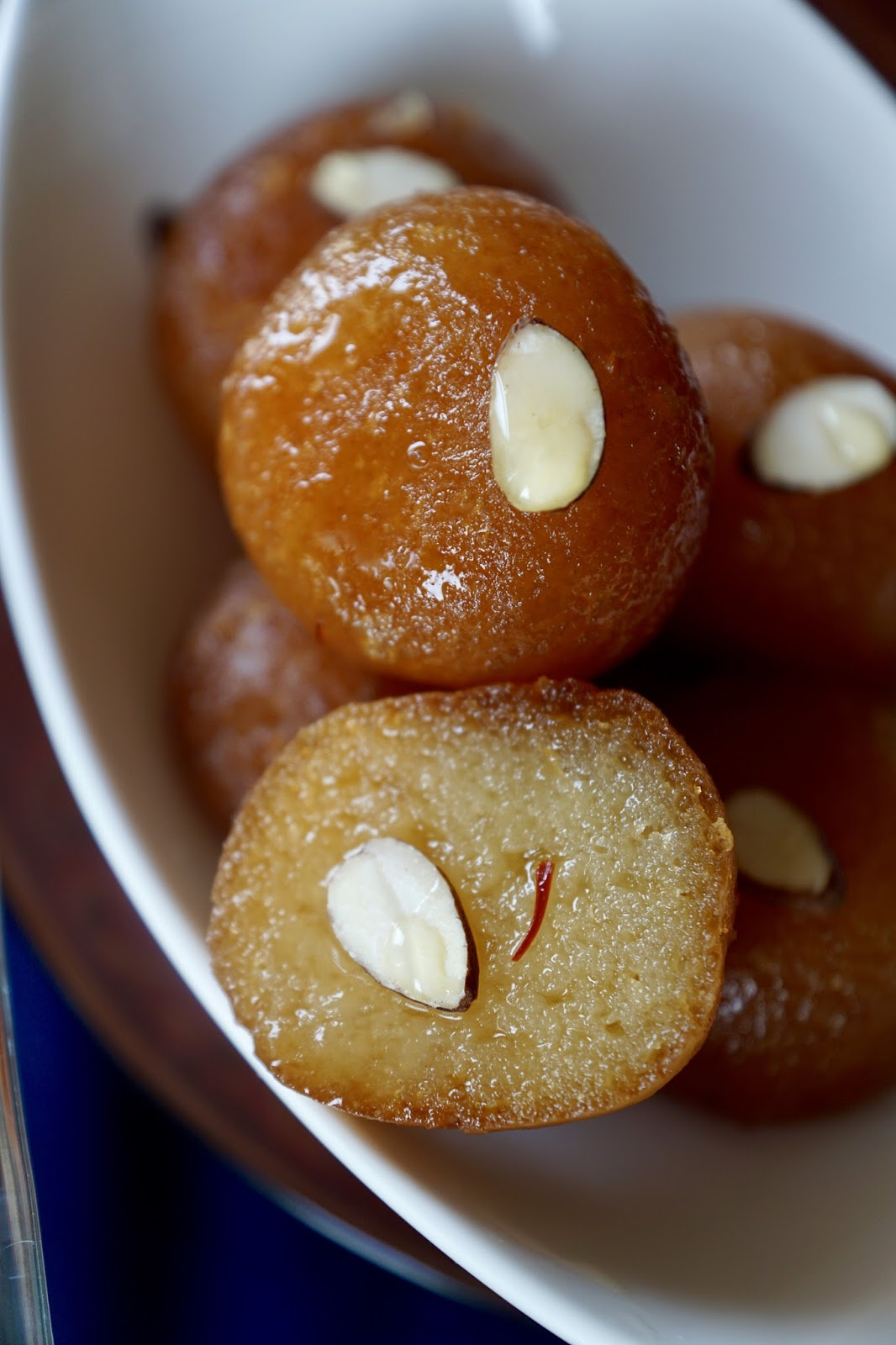 Golap jaam or laal mohon or gulab jamun cook your own way i followed the recipe by the bangladeshi cooking goddess late siddika kabir her book is most famous recipe book in bangladesh every single household has forumfinder Image collections
