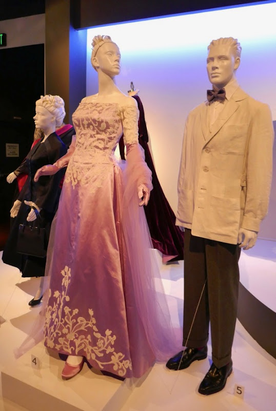 Alma Reynolds Woodcock Phantom Thread costumes