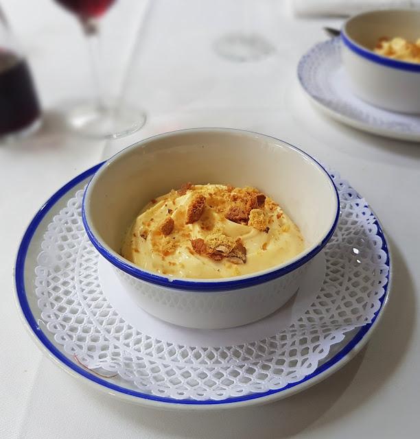 Crema catalana con carquinyolis
