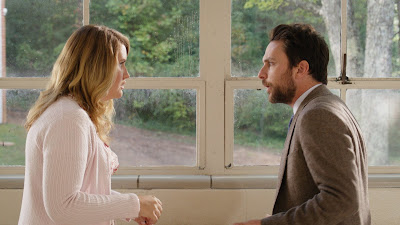 Charlie Day and Jillian Bell in Fist Fight (8)