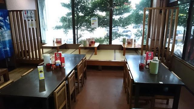 我部祖河食堂コザ店の店内の写真