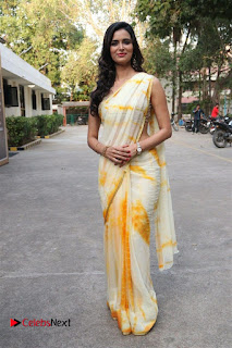 Actress Meenakshi Dixit Pictures in Saree at Bayam Oru Payanam Tamil Movie Press Meet  0034