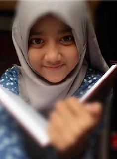 Biodata Wirda Salamah Ulya Putri Ust. Yusuf Mansur