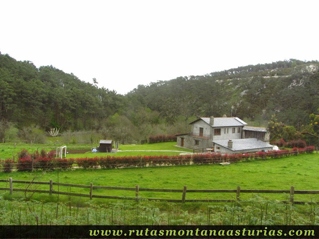 Granja en Barayo