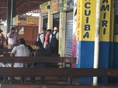 Estación de Autobuses. Santa Cruz de la Sierra. Bolivia. Amish