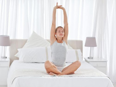 gerakan%2Bolahraga%2Bbangun%2Btidur%2B4 - Lakukan 5 Gerakan Olahraga ini Setiap Bangun Tidur