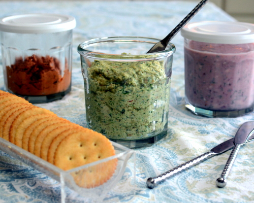 Three Favorite Sandwich & Cracker Spreads ♥ KitchenParade.com, quick and easy, great for meal prep, made from simple pantry ingredients.