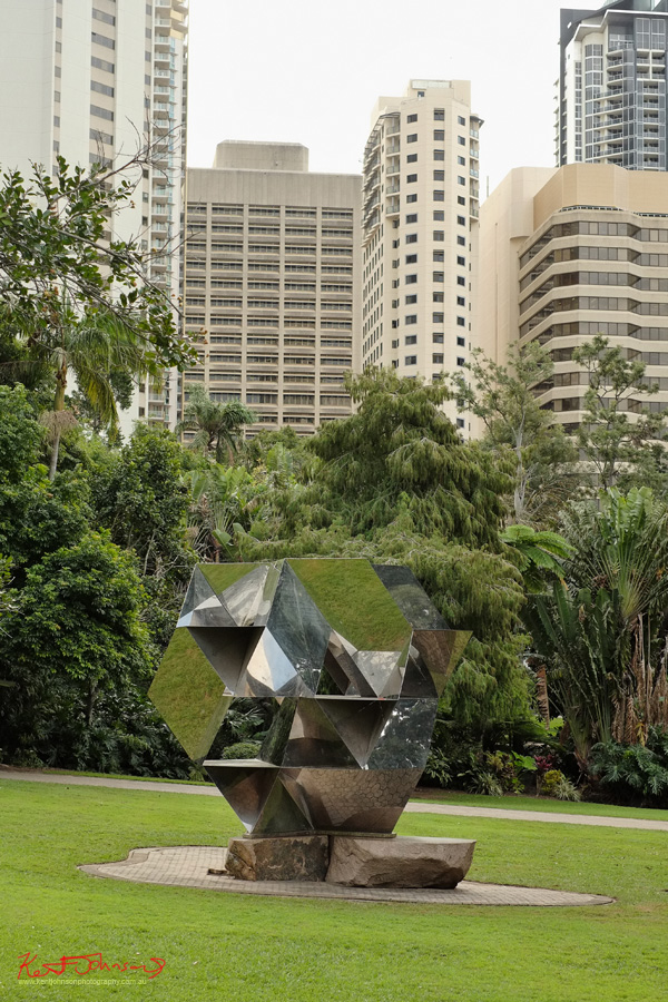 Sculpture Morning Star by Jon Barlow Hudson, Brisbane City Botanic Gardens. Photo by Kent Johnson.