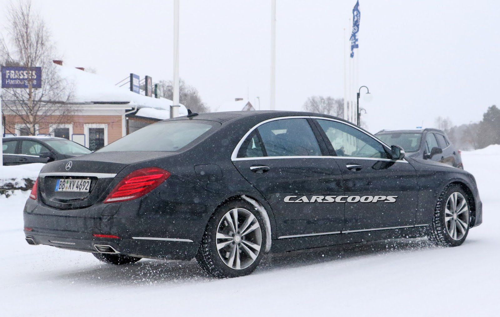 2018 mercedes benz s class spied with bigger screens. Black Bedroom Furniture Sets. Home Design Ideas