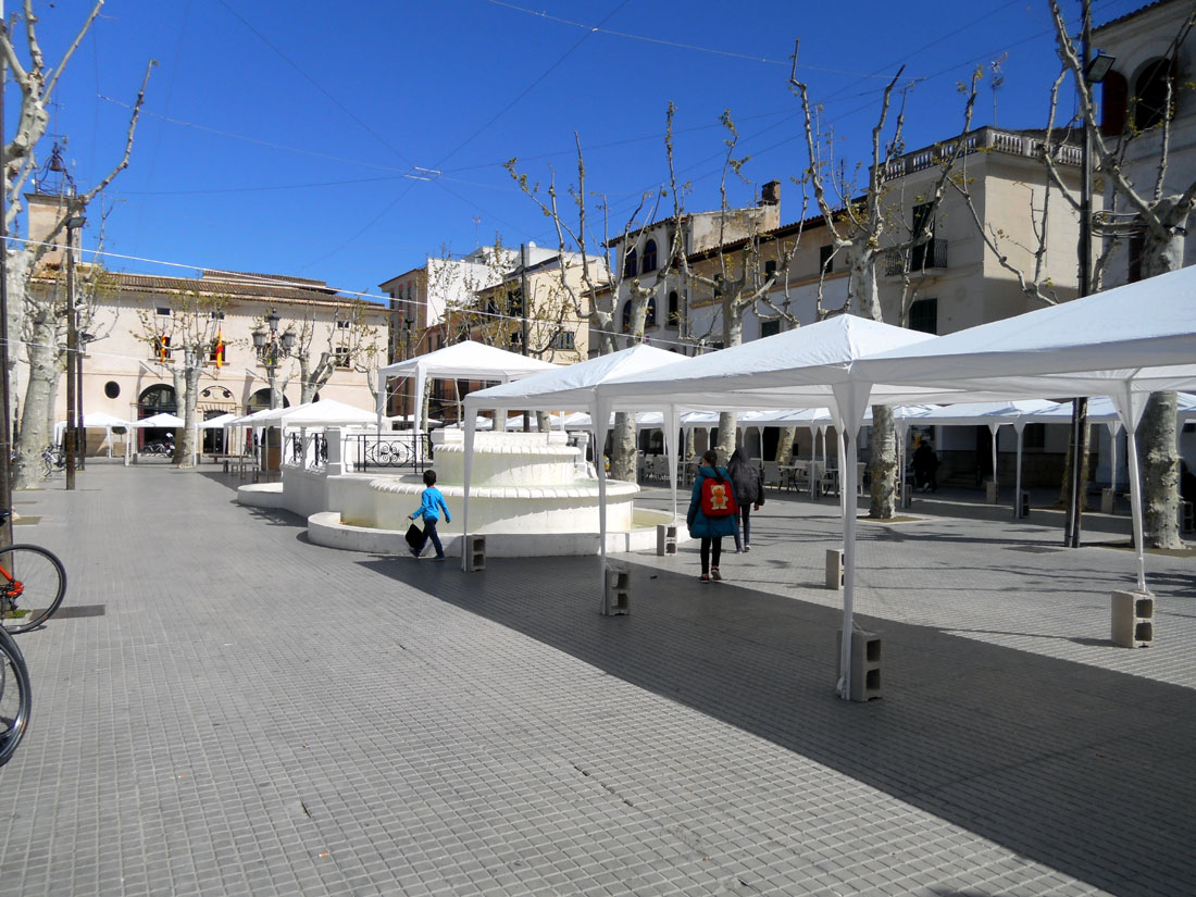 Una piazza a Mallorca