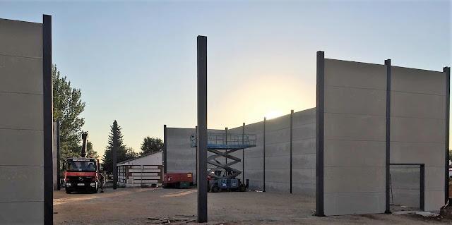 foto del montaje placas de hormigón y estructura