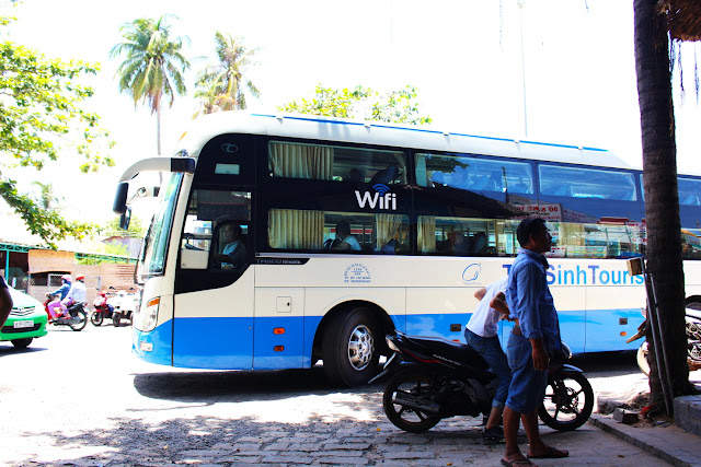 the sinh tourist sleeper bus