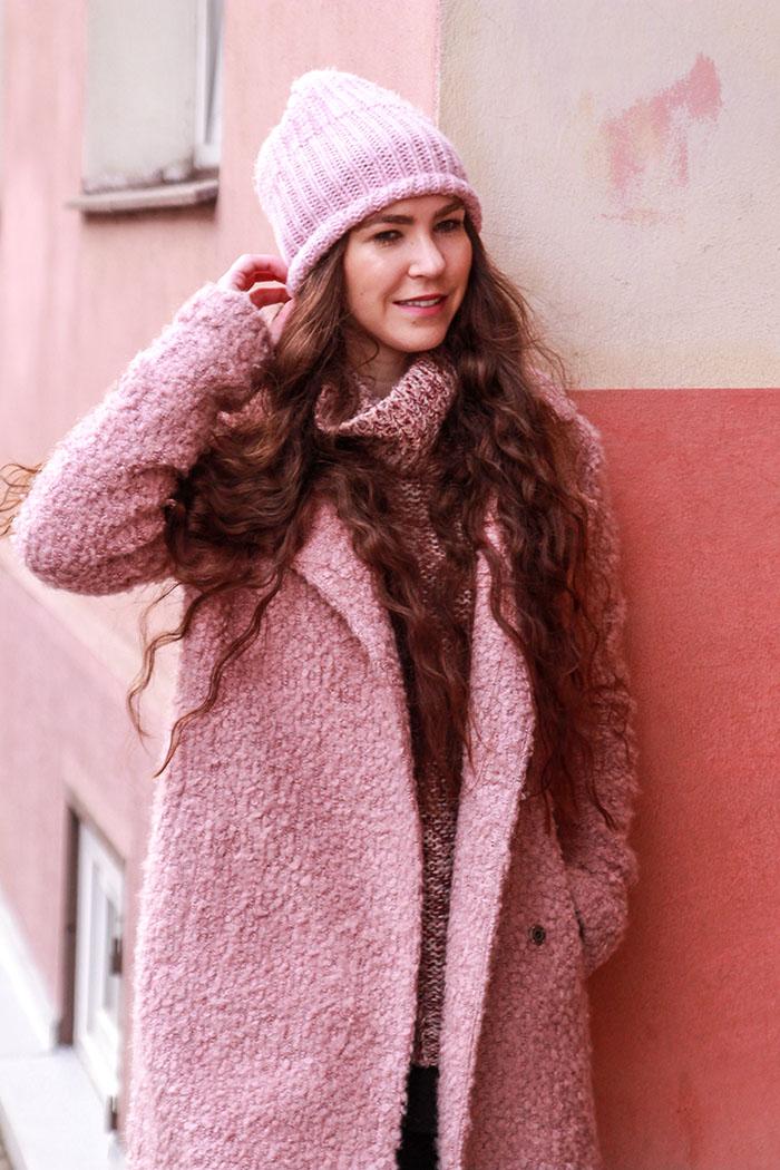 pink coat C&A black sunglasses oversized sweater różowy płaszcz róż pastelowy róż