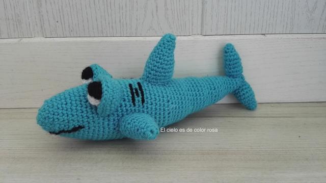 amigurumi tiburón de ganchillo