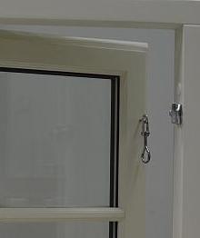 okna skandynawskie, zamknięcie haczykowe,