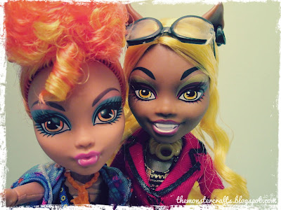 Howleen and Clawdia Wolf selfie