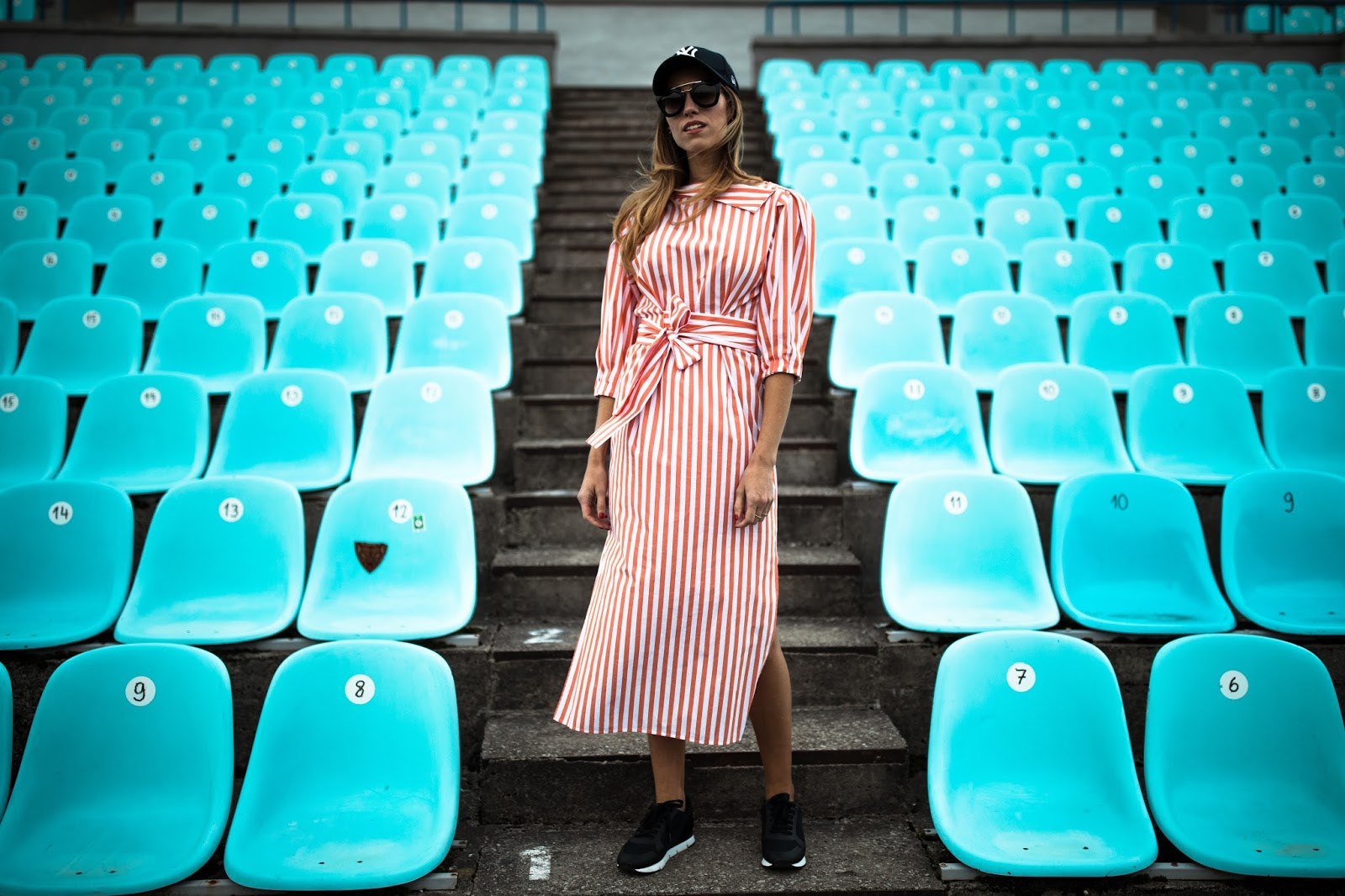 red white striped midi dress street style