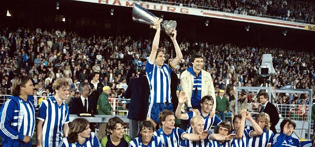 Copa da UEFA 1981-1982: Goteborg leva ao topo da Europa