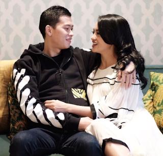 Ririn Ekawati dan suaminya Ferry Wijaya