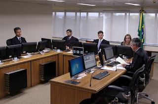 http://vnoticia.com.br/noticia/2389-trf4-publica-acordao-do-julgamento-de-lula-mas-defesa-ainda-sera-intimada