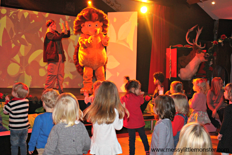 Bluestone Wales Review - woody wild character show for toddlers and preschoolers