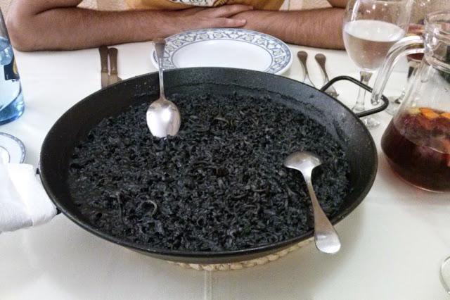 Restaurante la Riuà Valencia arroz negro
