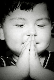 Funny little boy praying to Jesus joke picture